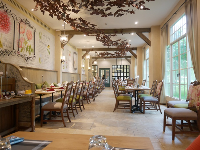 บรรยากาศห้องอาหาร Papillon Cafe